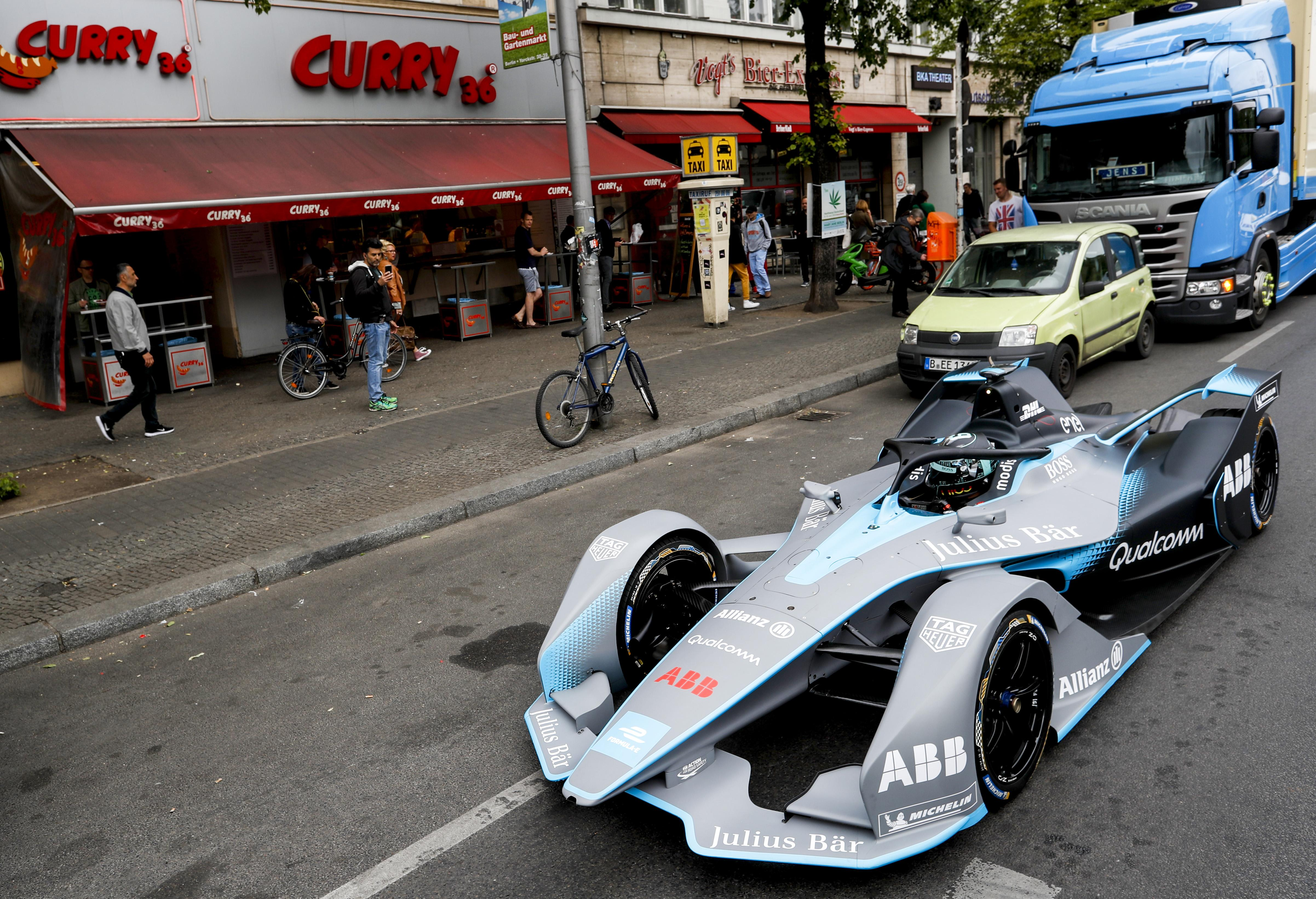 Here is Nico Rosberg driving the Gen2 car in the streets of Berlin