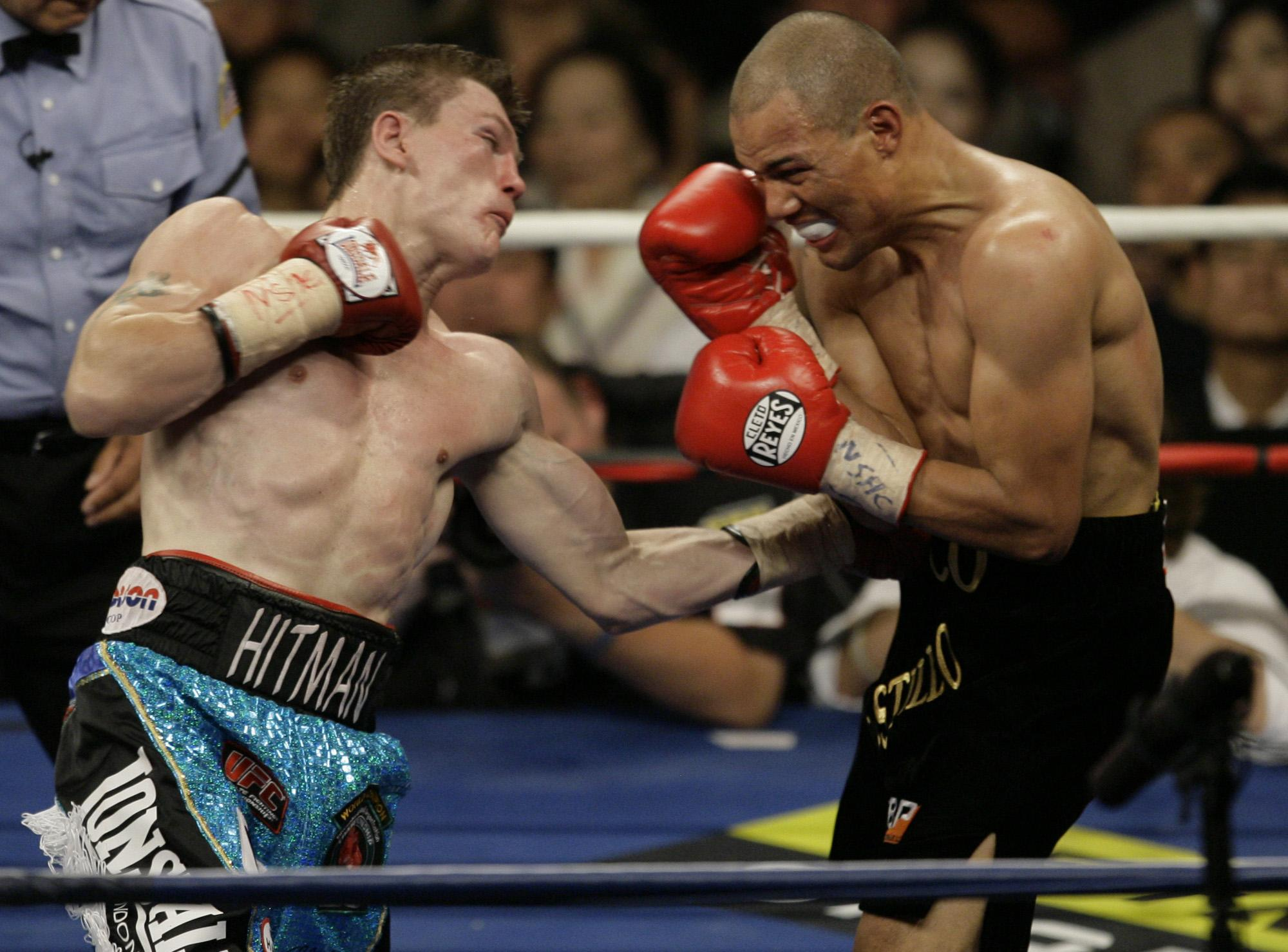 Hatton lands an uppercut on Jose Luis Castillo in 2007