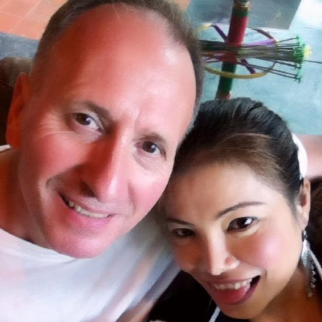 Vernon Unsworth and his girlfriend Woranan Ratrawiphukkun