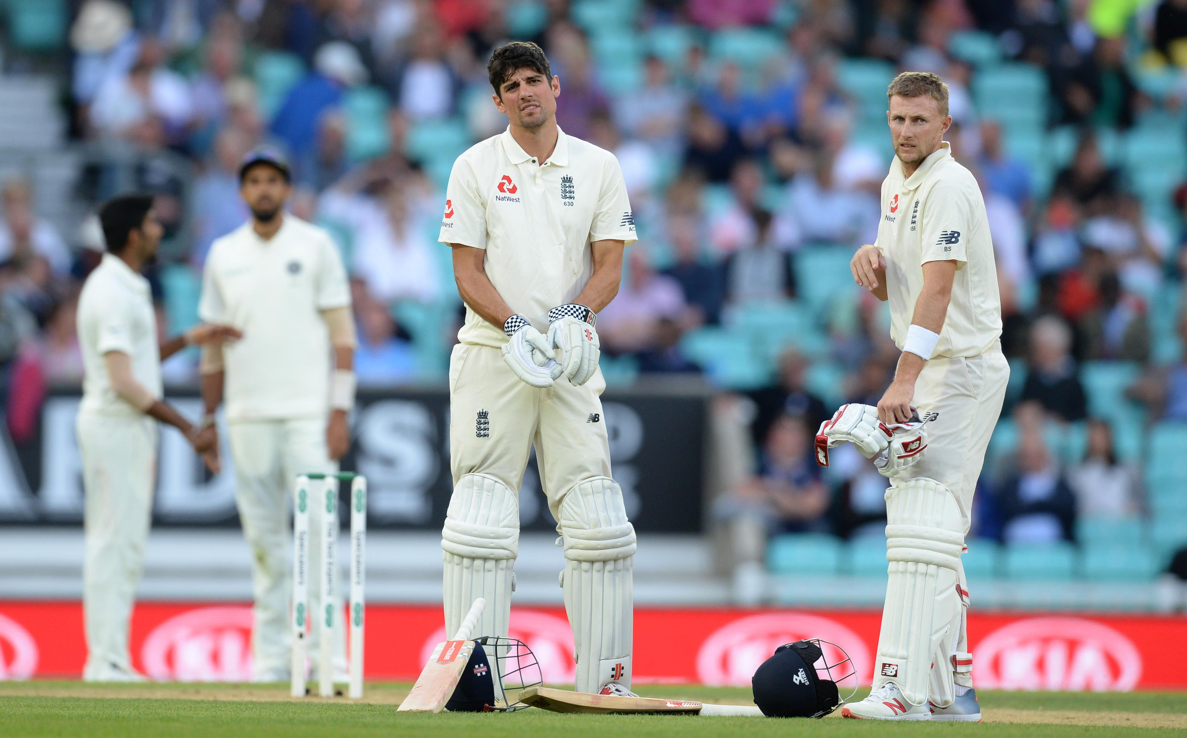 Main men Alastair Cook and Joe Root put on an unbeaten 52 for the third wicket on day three