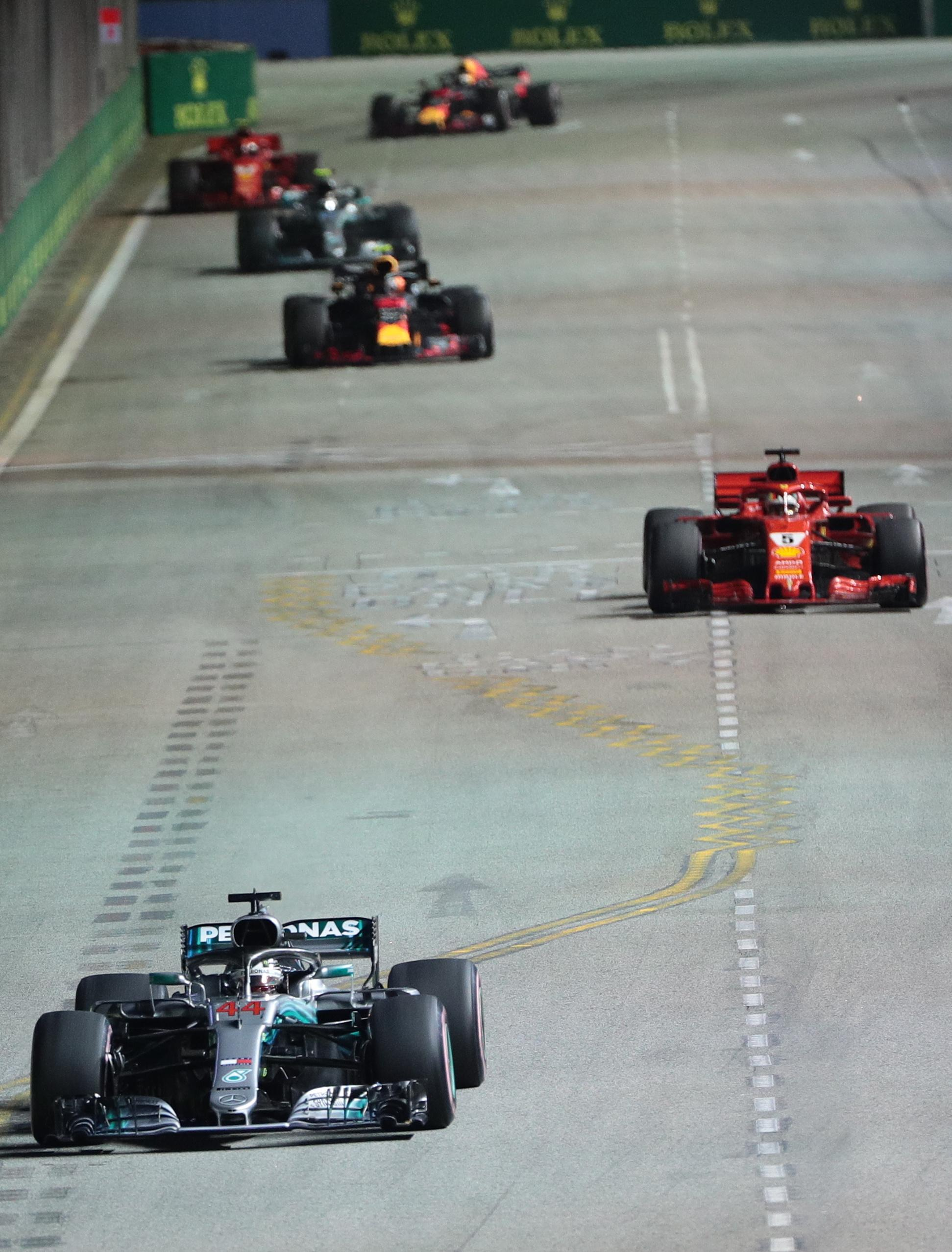 Lewis Hamilton dominated again, this time at the Singapore GP,  to leave himself perfectly placed to win his fifth F1 world championship