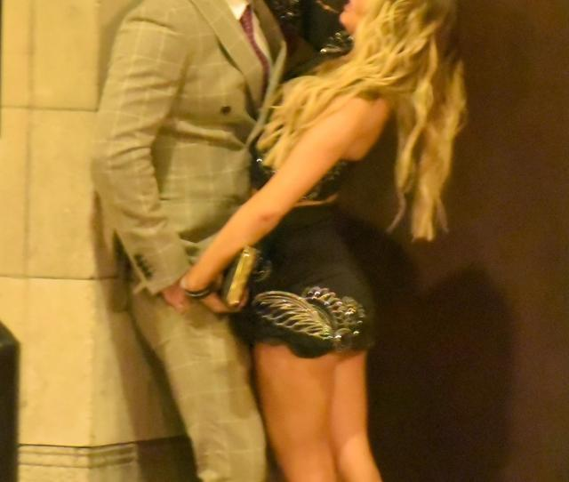 Hayley Hughes And Her Beau Dj Tom Zanetti Were Caught In A Steamy Clinch Outside The
