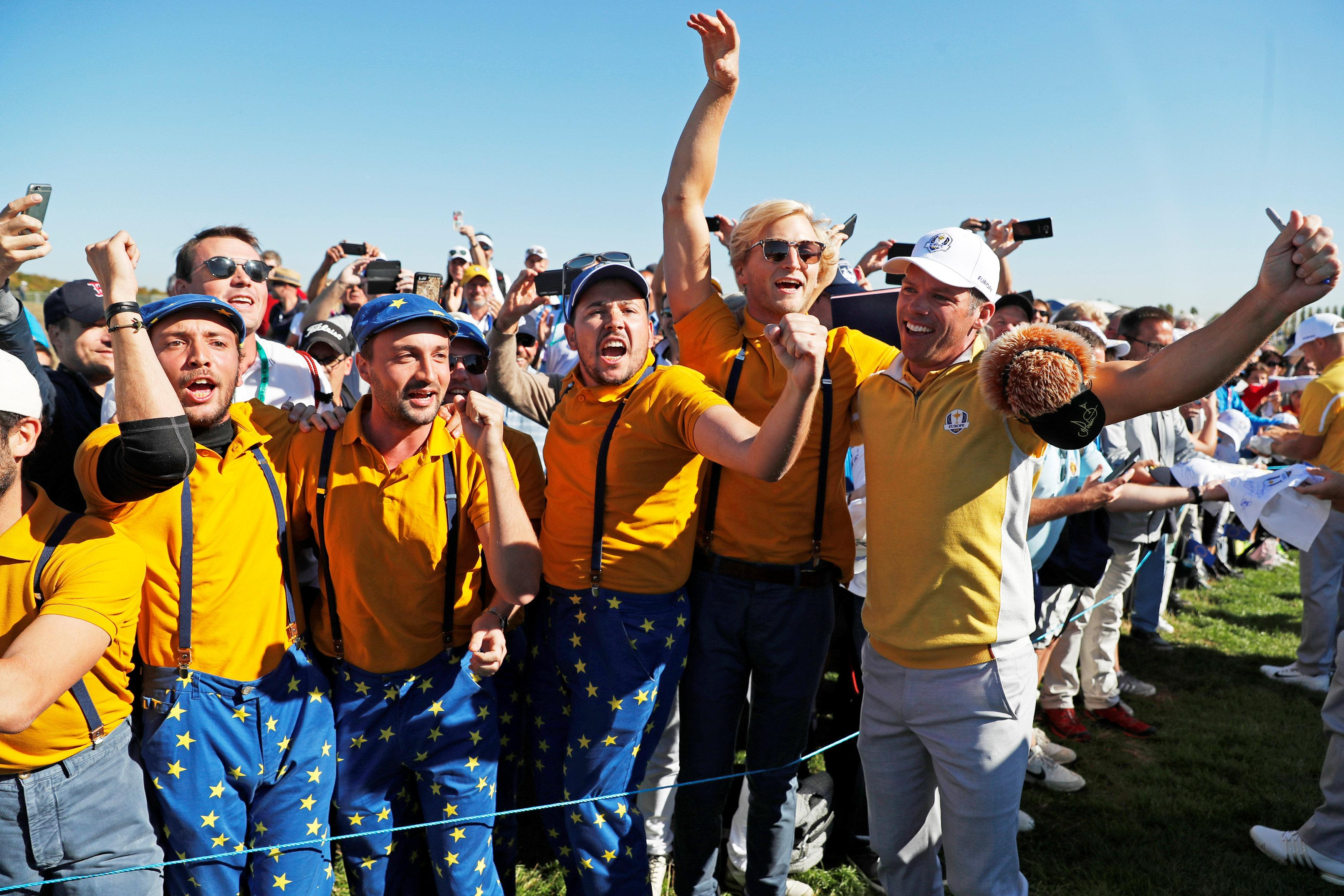 Over 7,000 fans were present on the first tee of the practice round