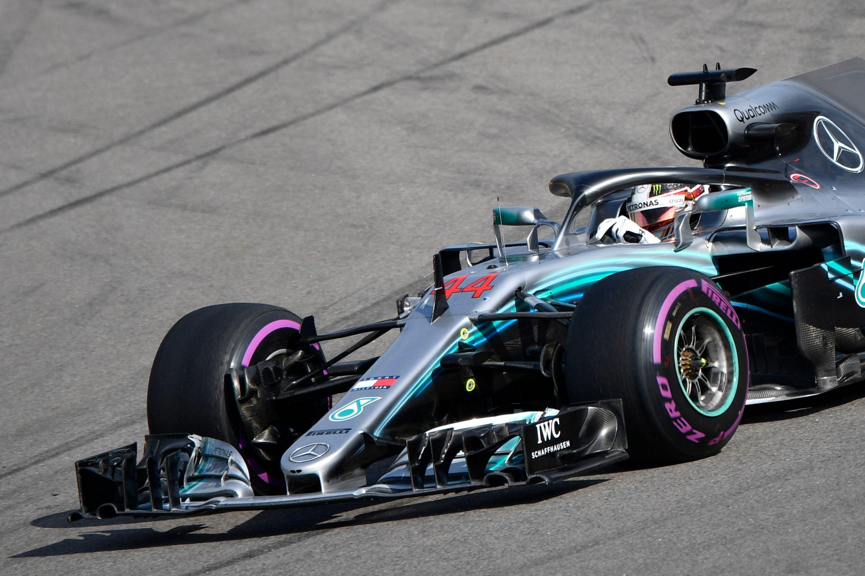 Lewis Hamilton won the Russian Grand Prix to extend his lead over Sebastian Vettel to 50 points