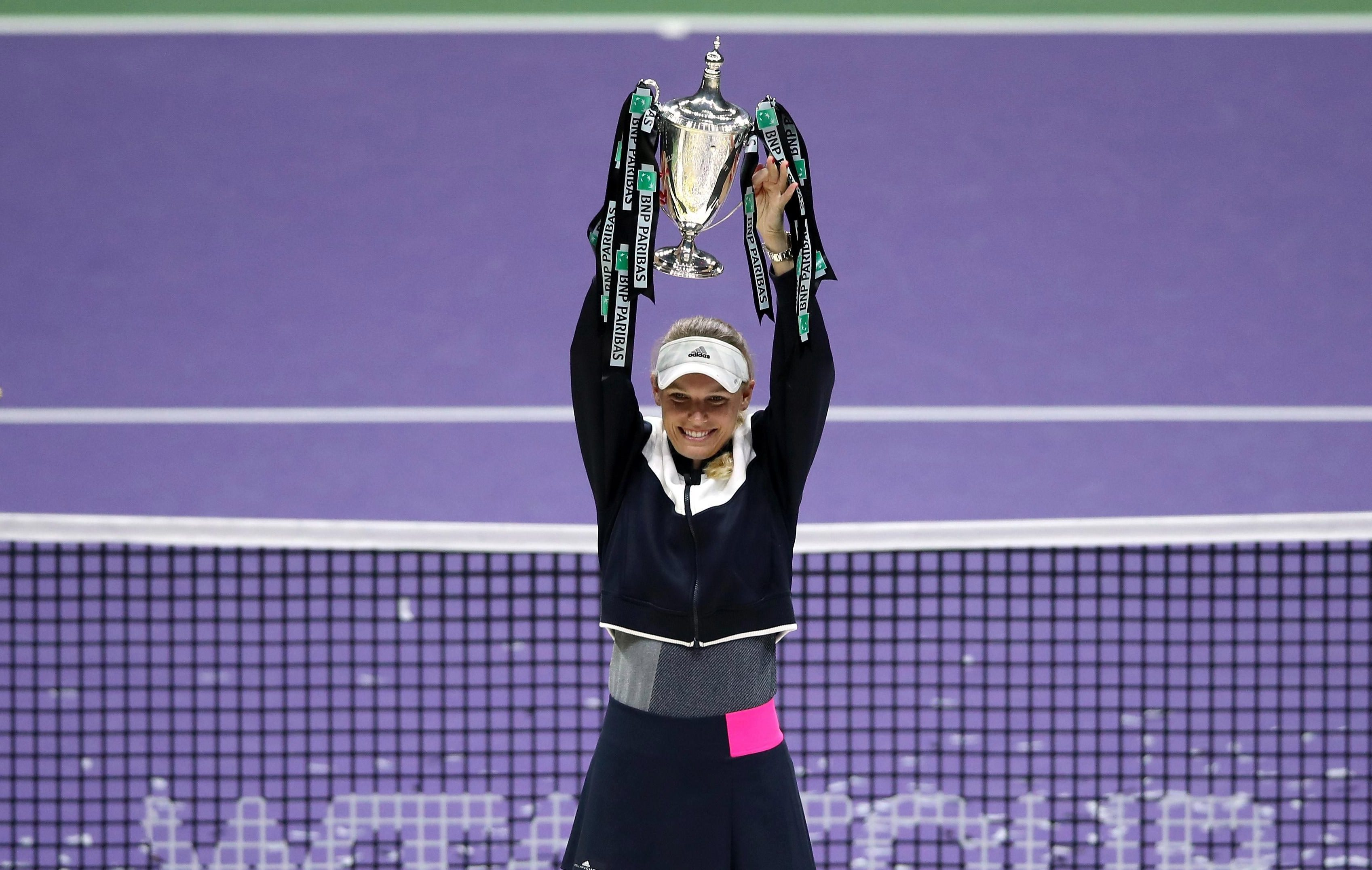 Carolina Wozniacki won the singles final 6-4,6-4 against Venus Williams