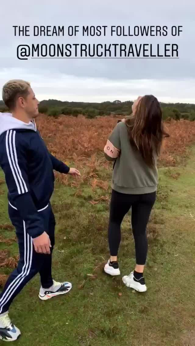 Javier Hernandez jokes Sarah Kohan's followers would like to touch her bum