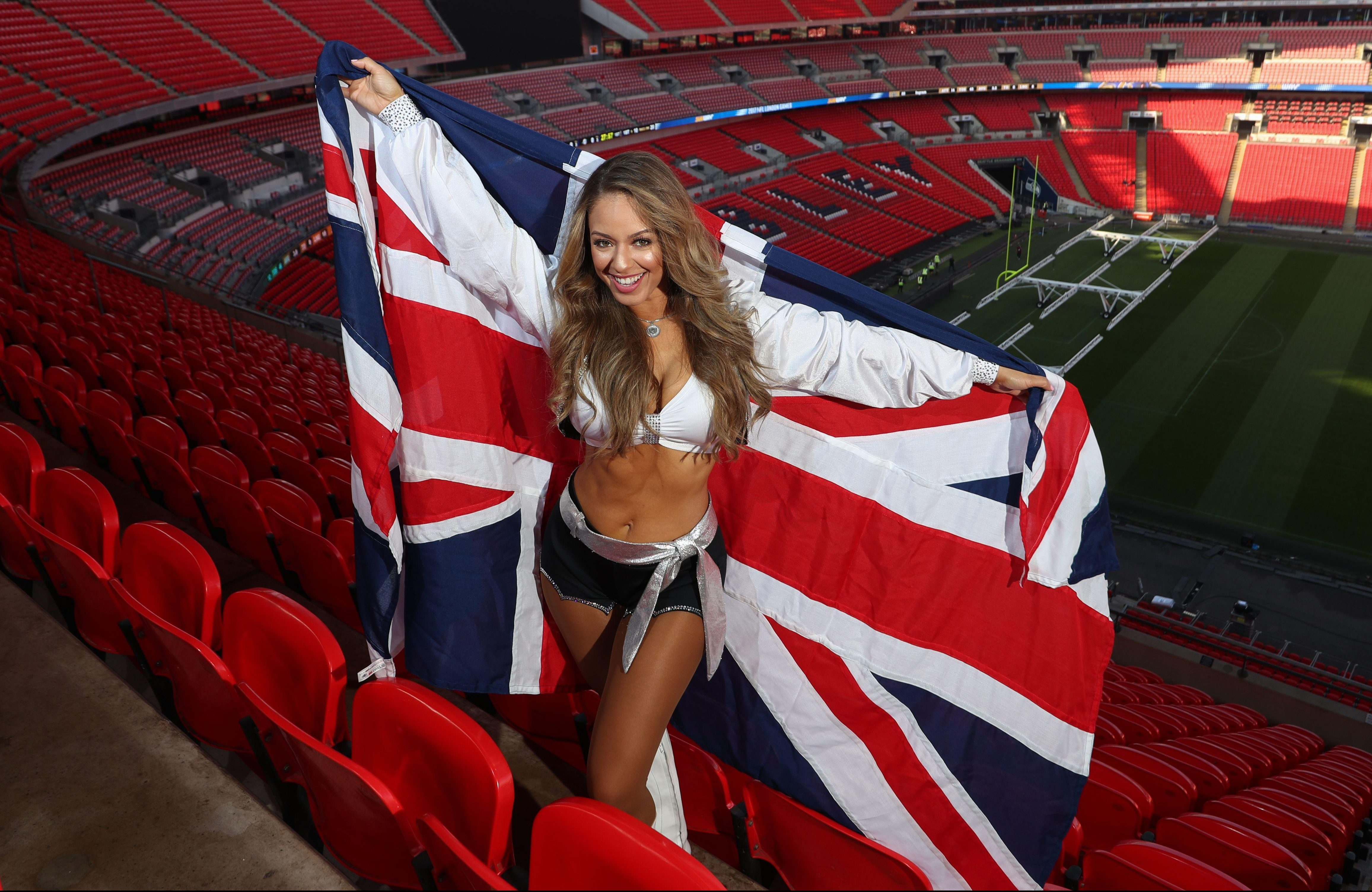 The Raiderettes will be hoping to cheer the Oakland Raiders to victory over the Seattle Seahawks