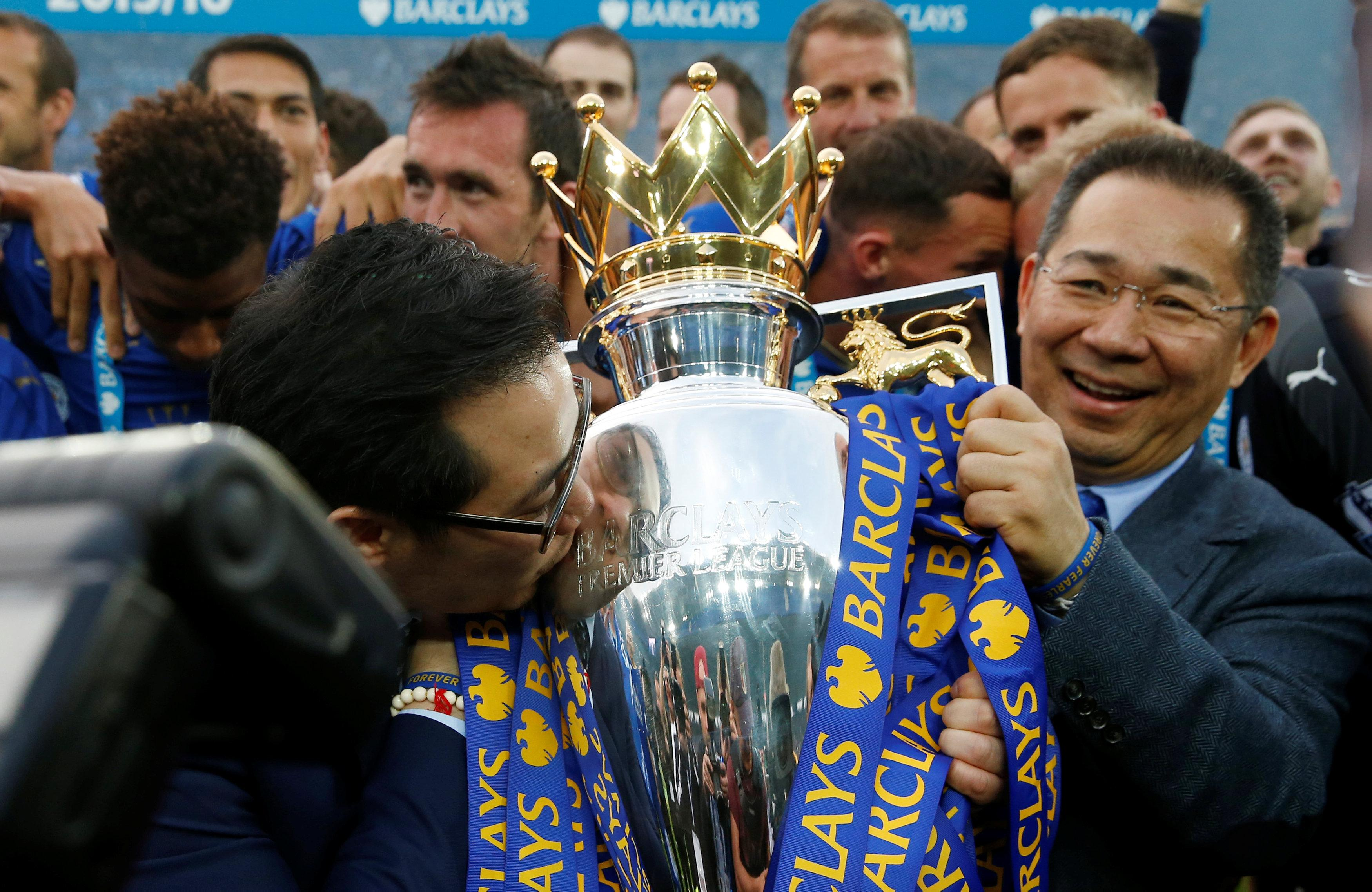 Vichai Srivaddhanaprabha lifting the Premier League trophy in 2016