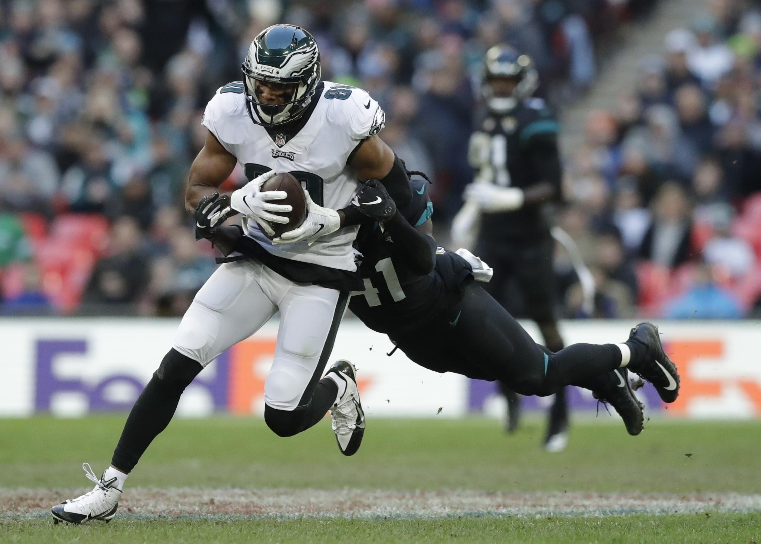 The Eagles took their season record to 4-4, while Jaguars struggle on