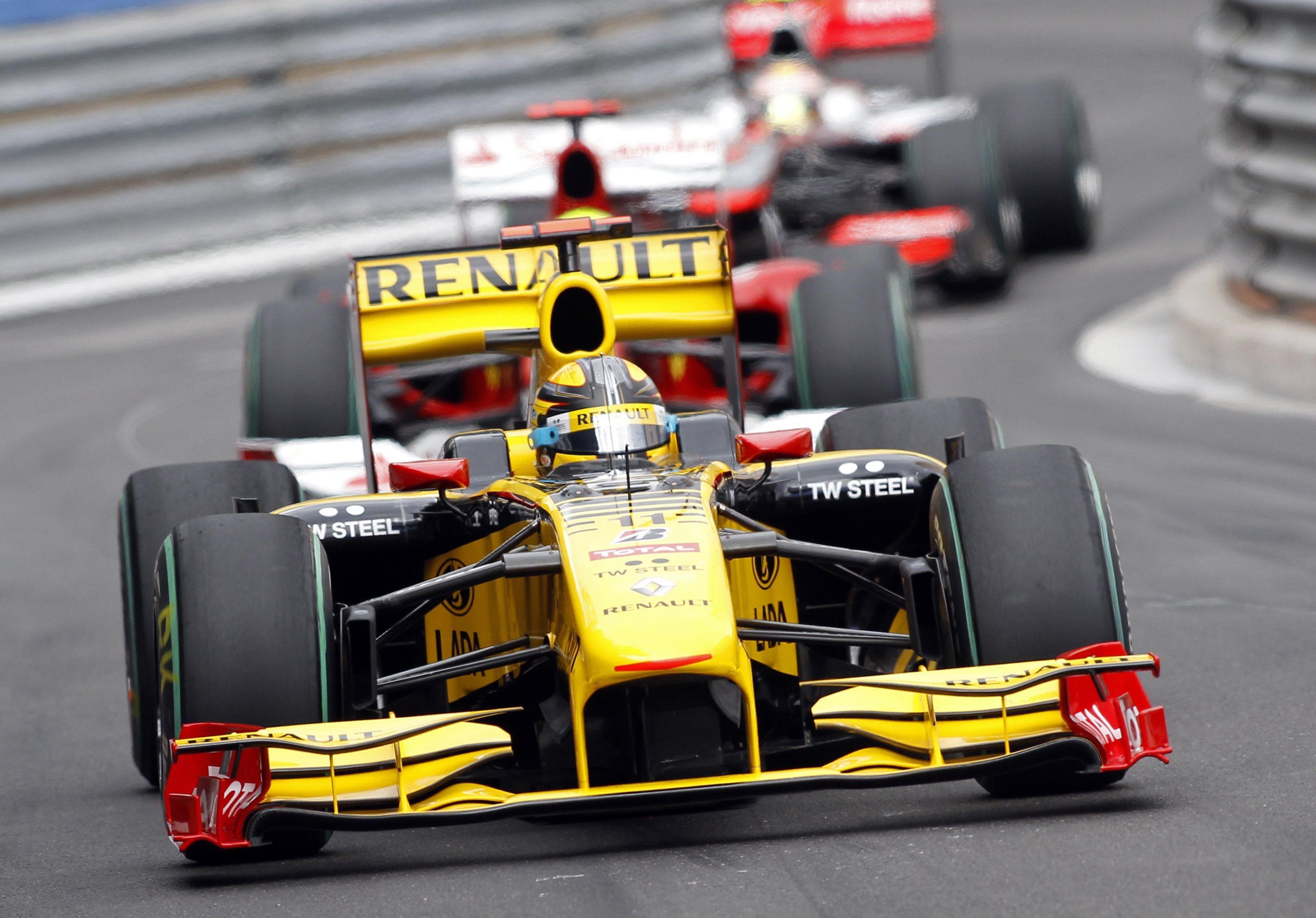 Kubica in action for Renault during the Monaco GP in May 2010