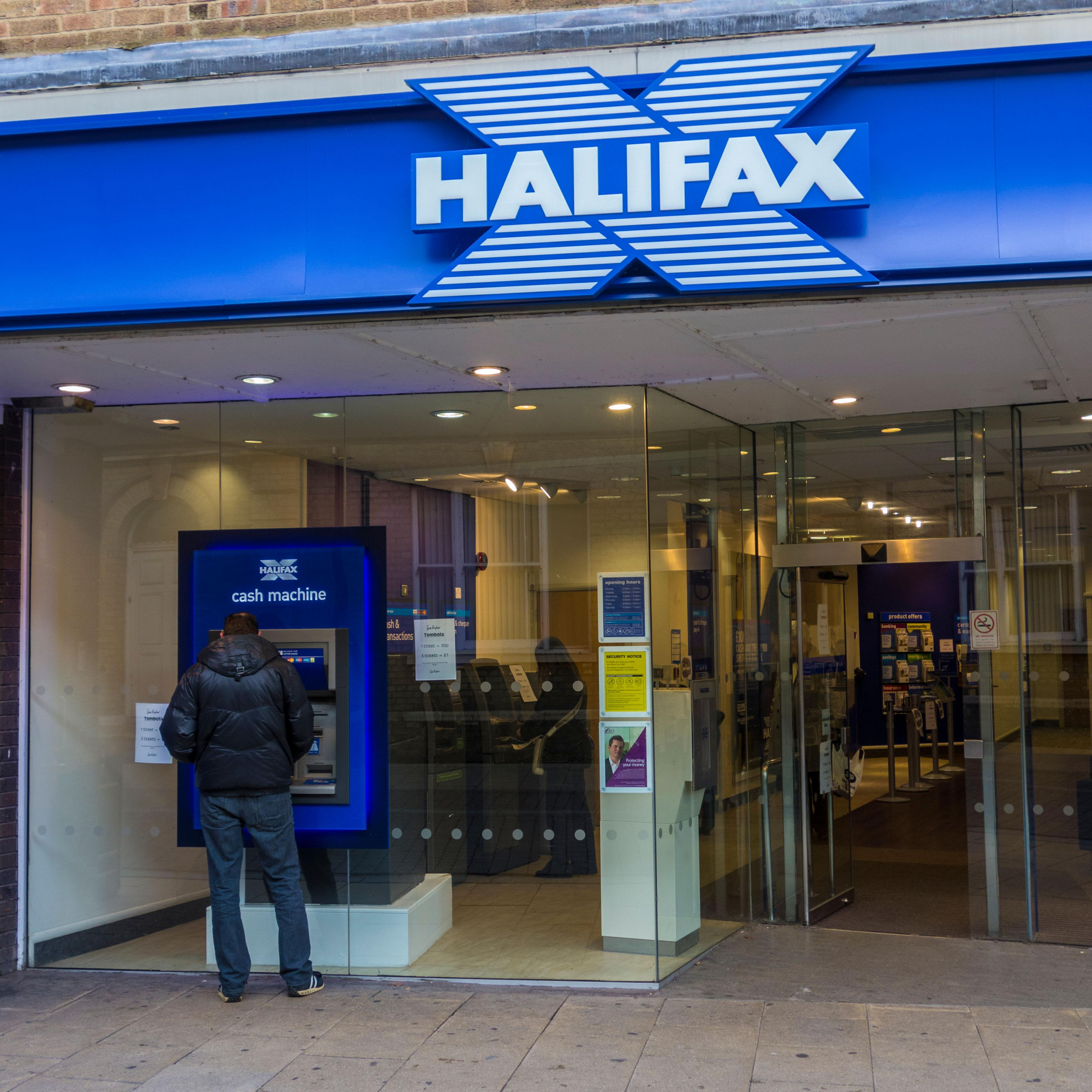 Halifax And Lloyds Bank Online Banking Down With Hundreds Of Customers Struggling To Log Into Accounts