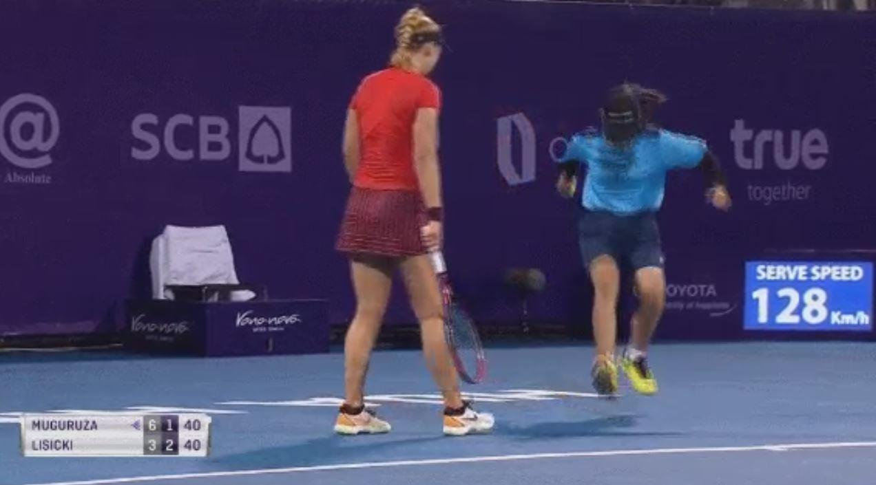 The ballgirl shocked onlookers as she charged onto the court without hesitation