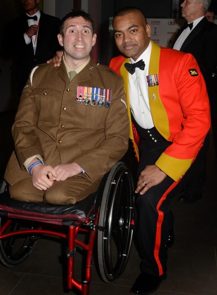 Lance Bombardier Ben with Victoria Cross winner Lance Sergeant Johnson Beharry