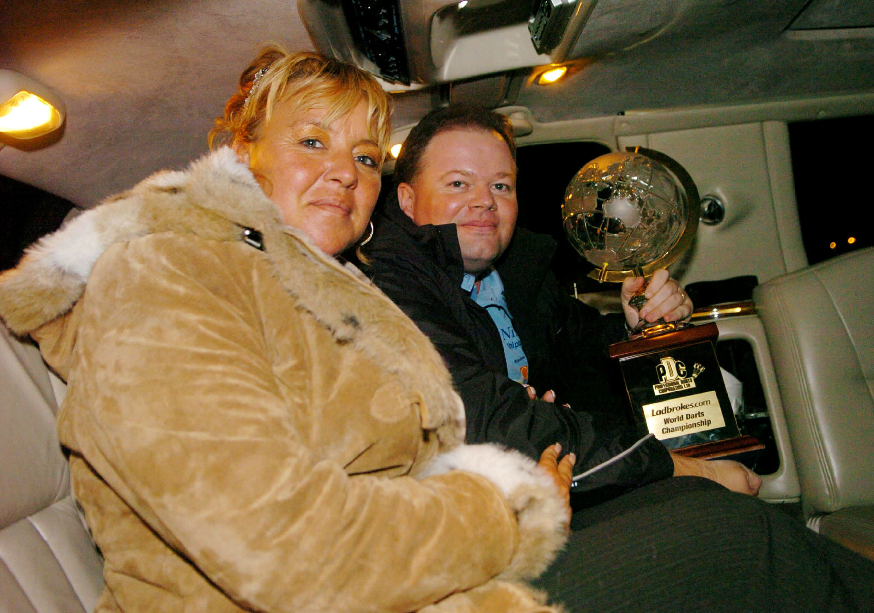 Raymond van Barneveld and his wife Silvia after he won the championship in 2007