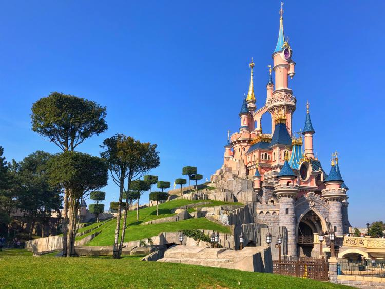 Enjoy Disneyland Paris's magical atmosphere, unforgettable fireworks and fairytale hotels