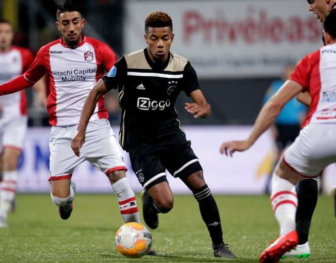 David Neres took a direct (message) approach as he looked to land a date with German model Kira Winonca