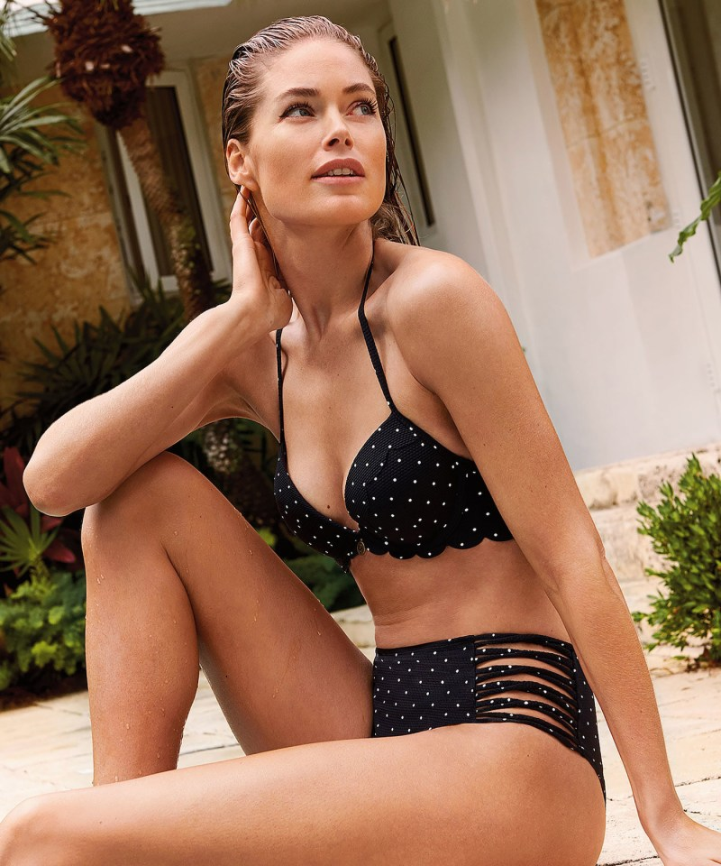 The Dutch supermodel, 34, wore the polka dot cossie for her Doutzen Summer Stories 2019 campaign