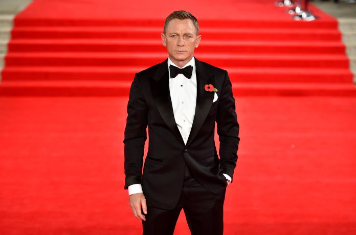 Daniel Craig slipped and injured his ankle in Jamaica
