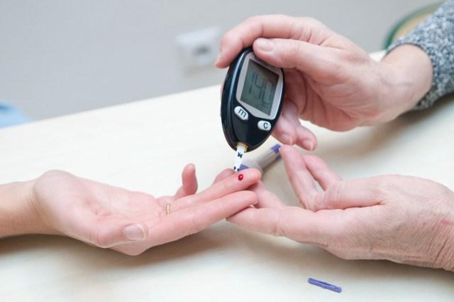 Un análisis de sangre para la diabetes ofrece nuevas esperanzas a las personas con fibromialgia que pueden ver reducido su dolor al tomar metformina