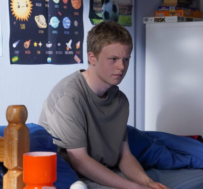 EastEnders fans have grown concerned for Bobby Beale's mental wellbeing