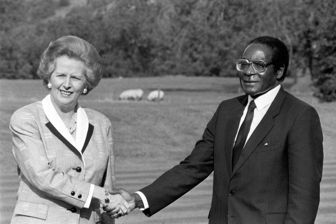 Prime Minster Margaret Thatcher with Zimbabwean President Robert Mugabe in 1988
