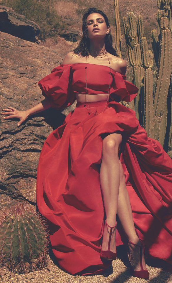 Jenna Dewan looked red hot as she posed in the heat of the desert