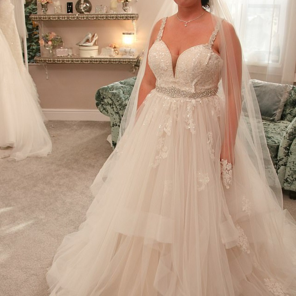 Bride Left Gutted When Mum Slams Her Dream Wedding Gown Saying It