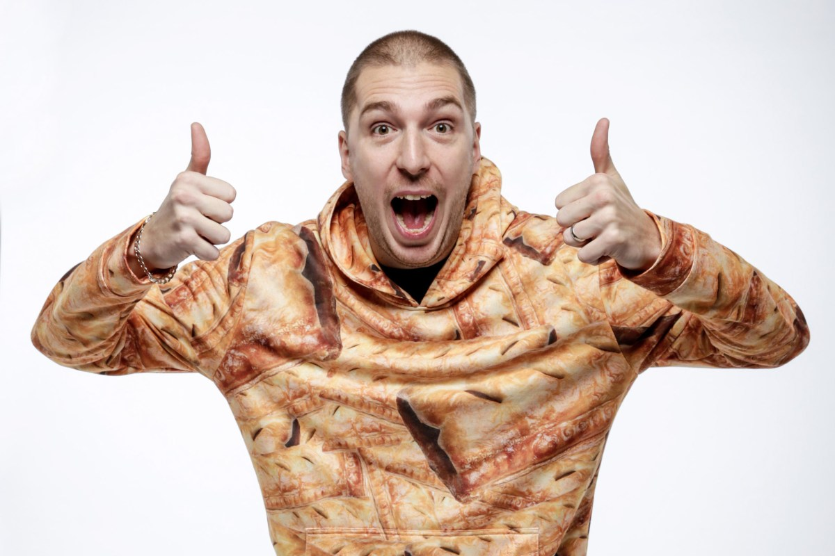 LadBaby to release new sausage roll-themed cover in bid to become Christmas No1