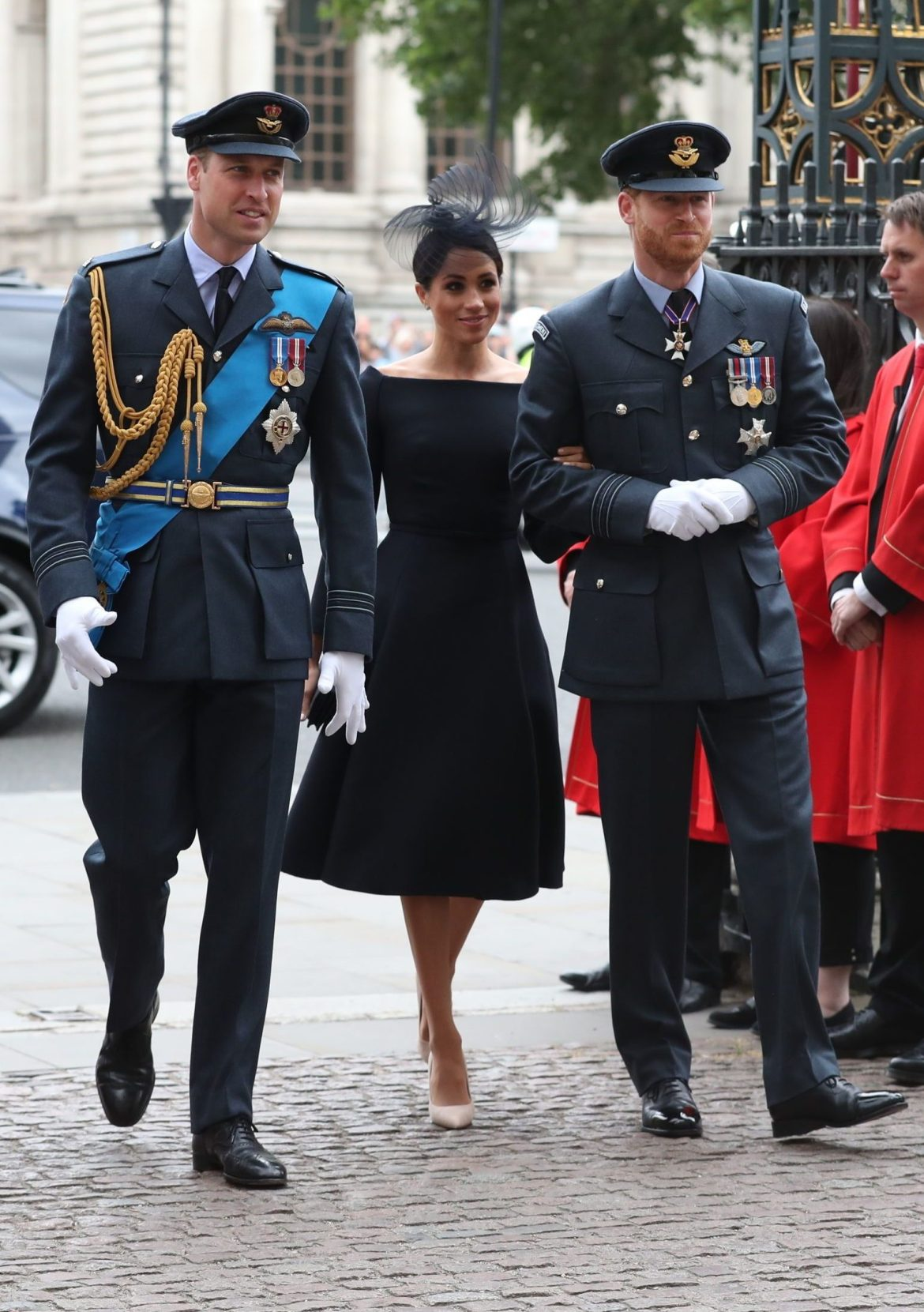 Meghan Markle and Prince Harry have said they don't want to rely on public funds in their new lives, the Queen said after the summit