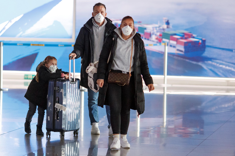 Should I cancel my holiday due to coronavirus? Experts say to keep ...