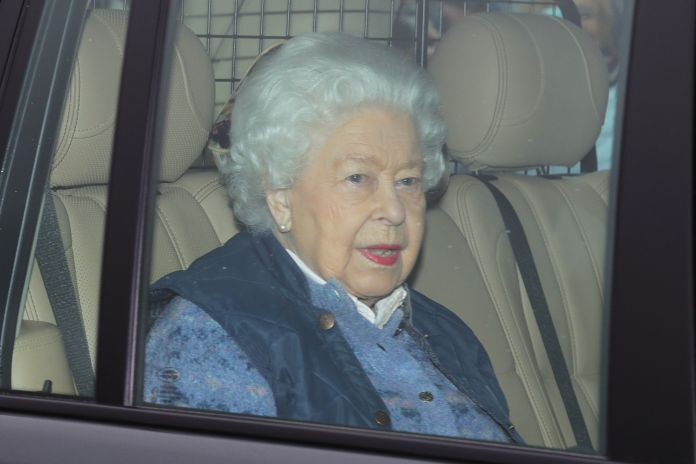Her Majesty smiled as she headed to Windsor today