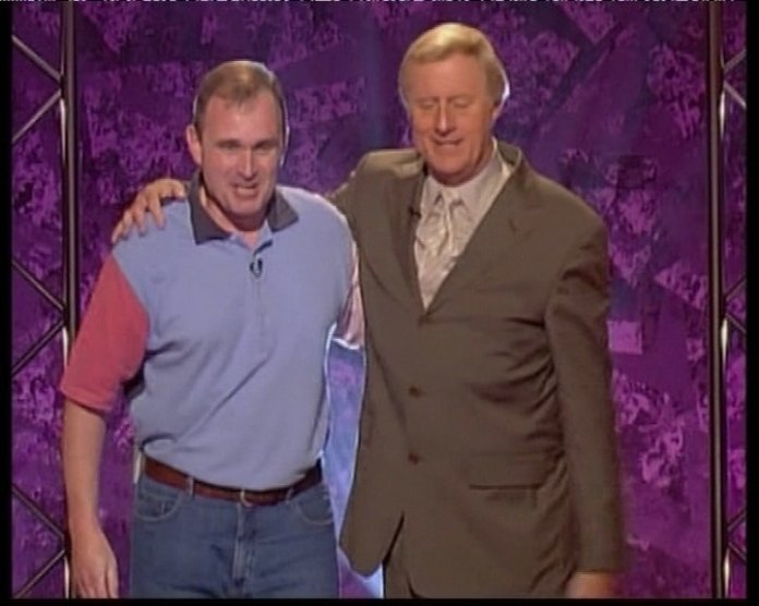 Chris with former army major Charles Ingram who cheated his way to £ 1 million in the 2001 quiz