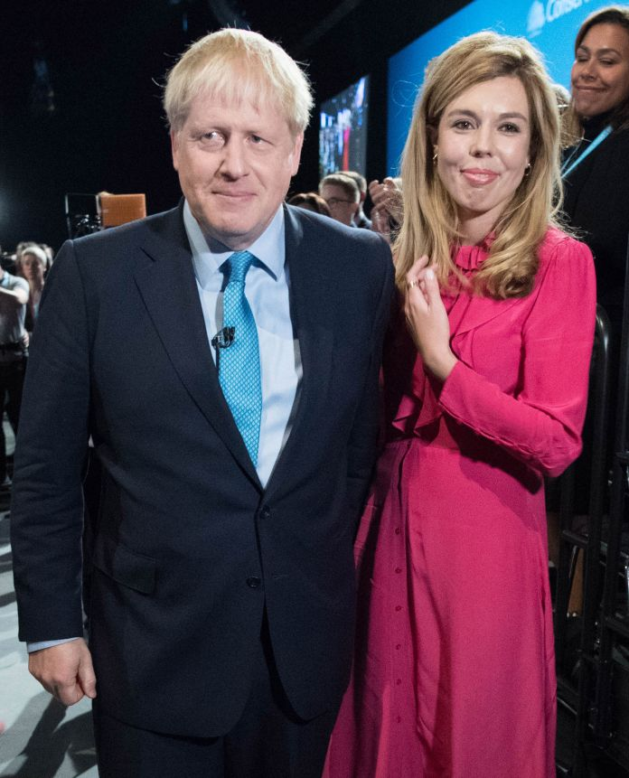 Boris Johnson recovers at Checkers with pregnant fiance Carrie Symonds