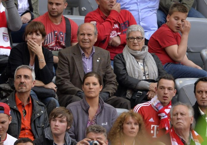 Dolors seen attending a game of Bayern Munich, one of Pep's former clubs