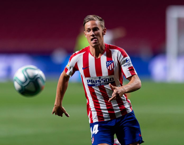 Marcos Llorente of Atletico de Madrid controls the ball during the Liga match between Club Atletico de Madrid and Real Valladolid CF