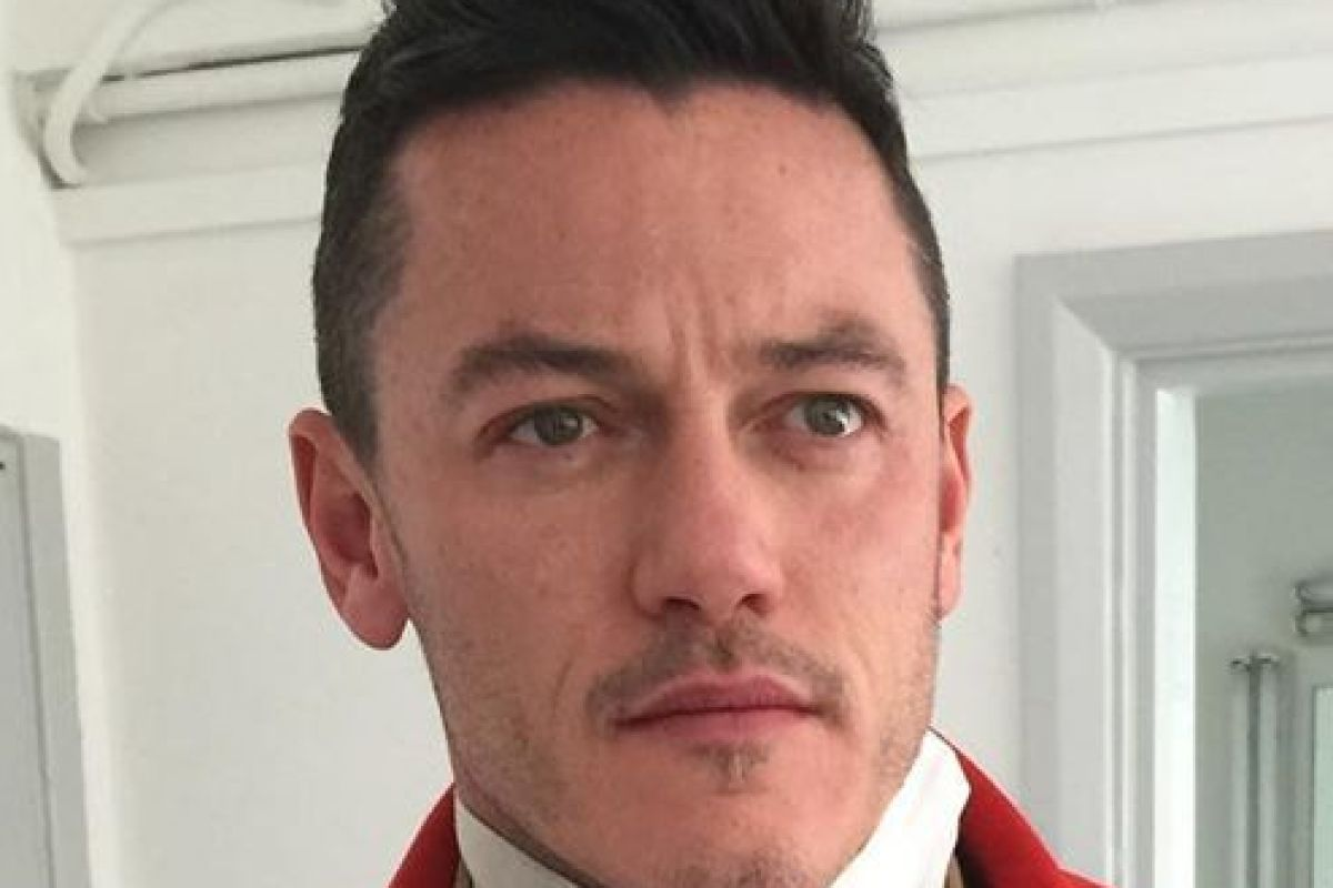 Luke Evans leaves fans stunned as they spot huge bulge in tight movie costume
