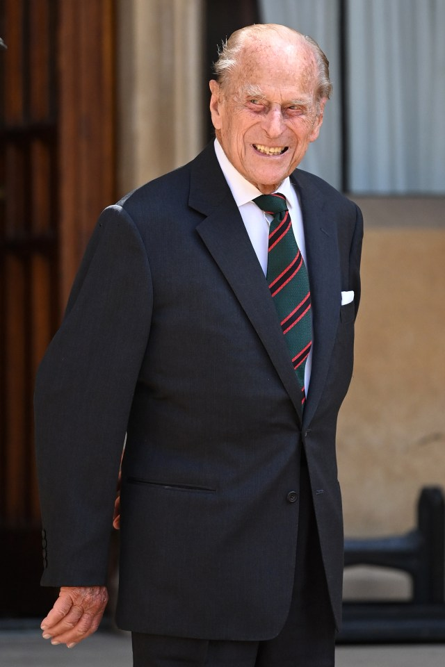 The duke wore a green and red tie
