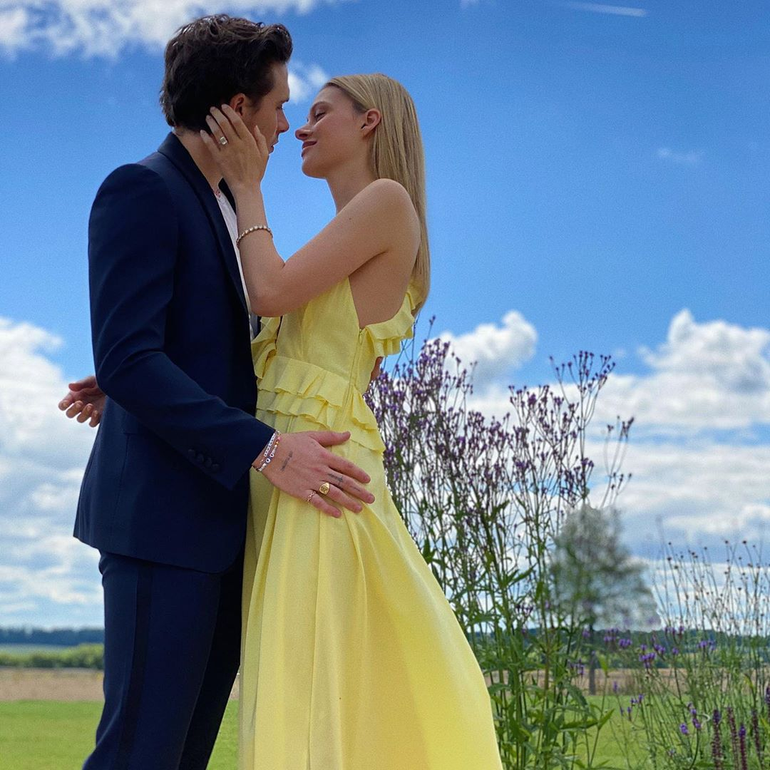 Victoria Beckham Will Design Nicola Peltz S Wedding Dress For Big Day To Brooklyn