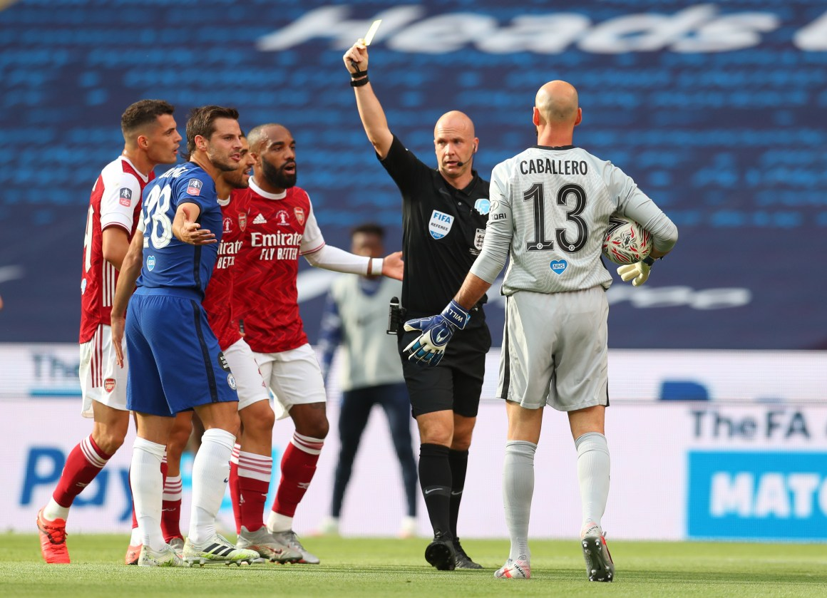 Chelsea target Declan Rice questions referee Anthony Taylor as ...