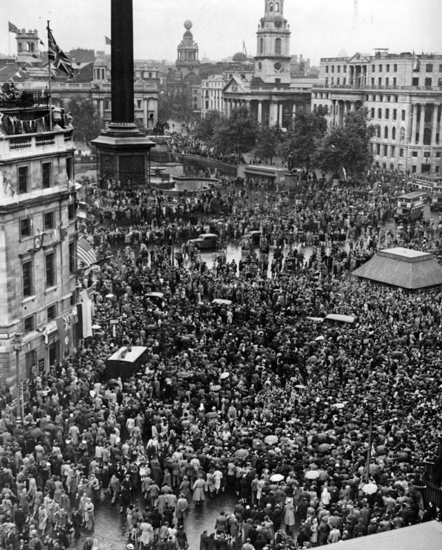 VJ Day in Trafalgar Square, London, August 15 1945