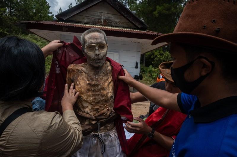 Les Toraja croient que la mort n'est que la prochaine étape du voyage de l'âme à travers l'univers