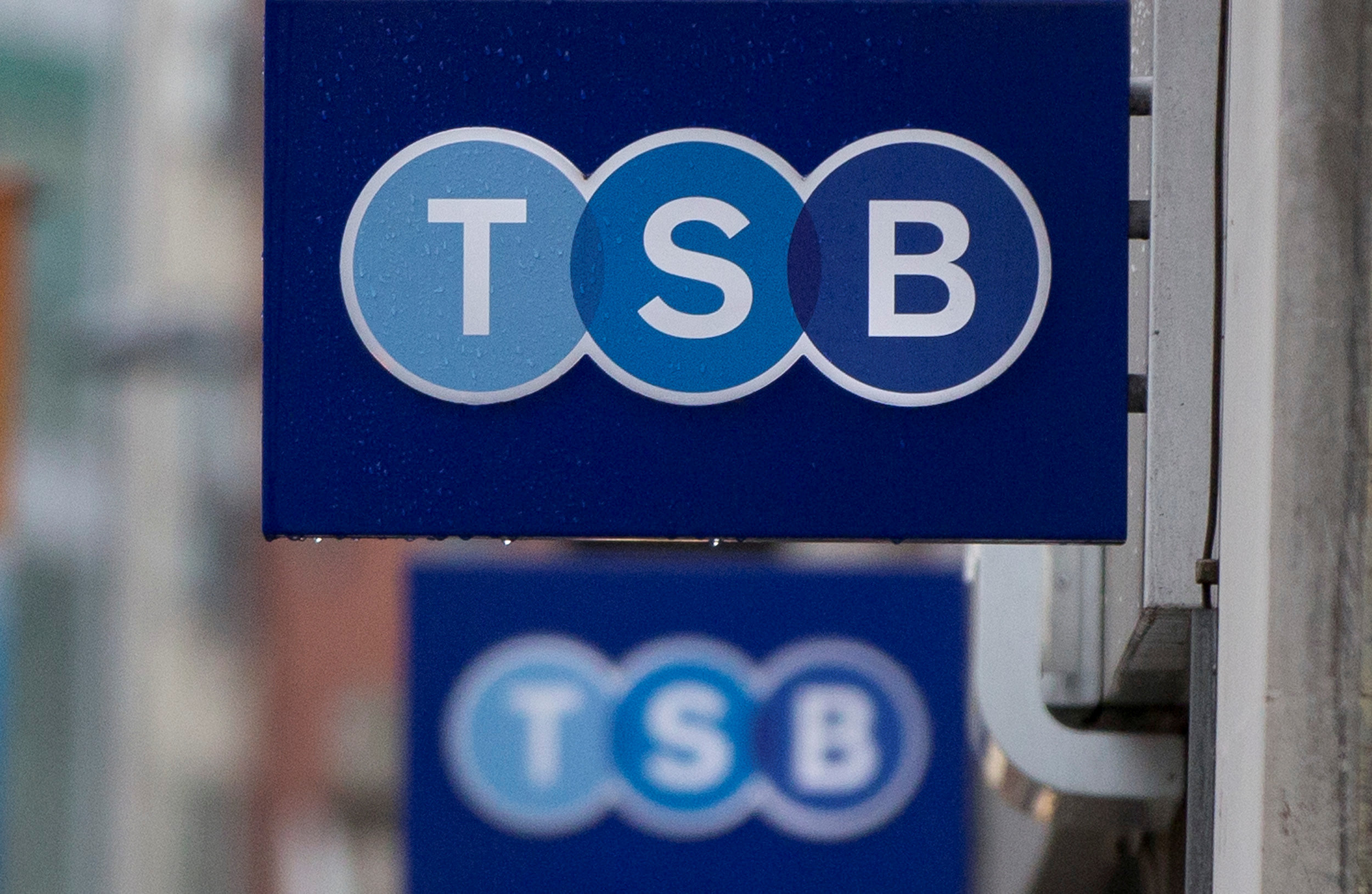 Tsb Launches New Bank Account That Automatically Tops Itself Up With Savings To Stop You Going Into The Red