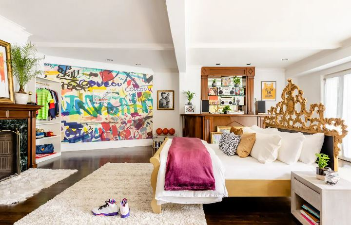 The stay include a king-size bedroom and graffiti artwork