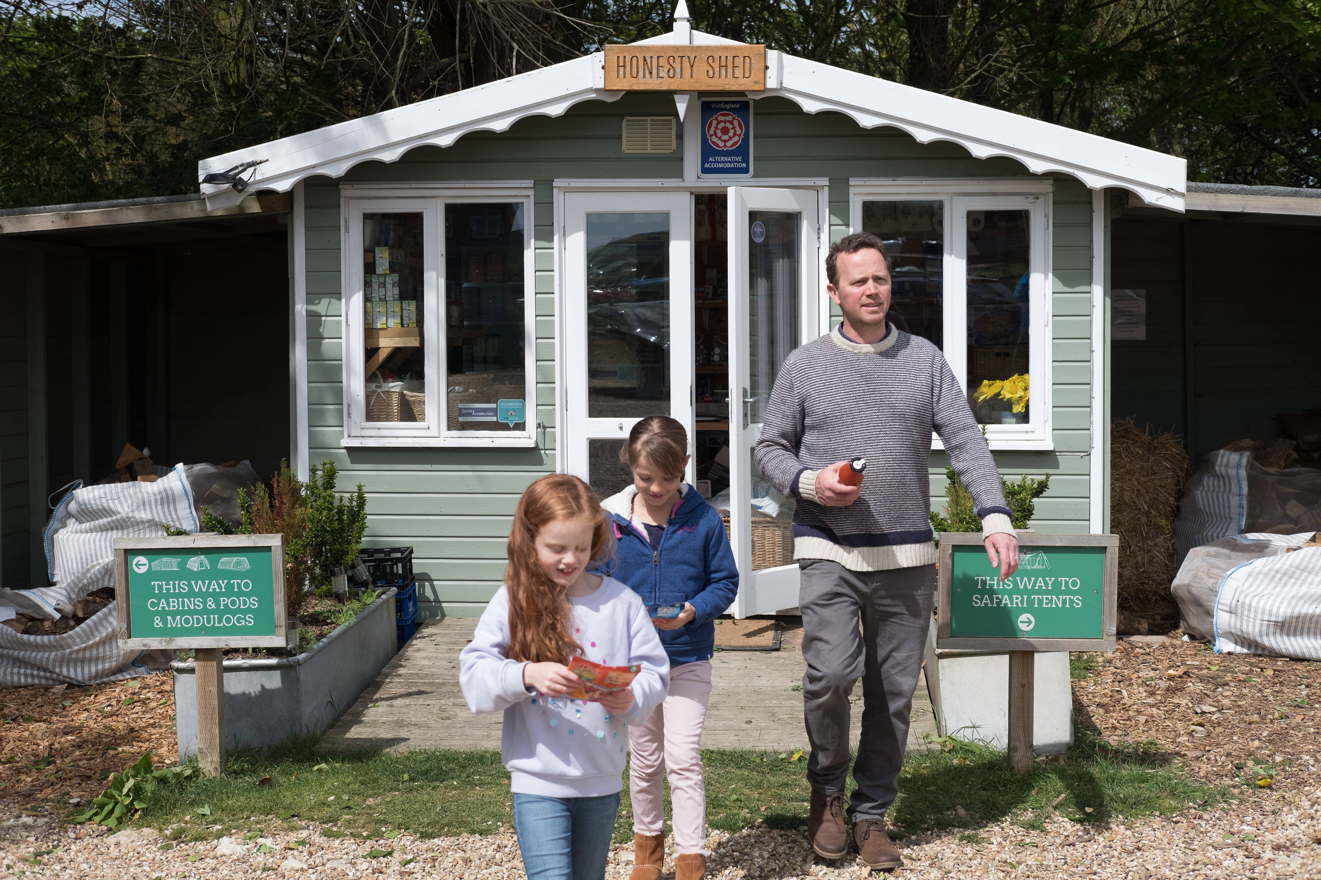 Tom's Eco Lodge on the Isle of Wight offers beautiful safari tents, wood cabins, moduLogs, and eco pods
