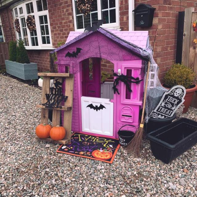 A creative mum has shared how she made an epic haunted house out of her daughter's playhouse for Halloween