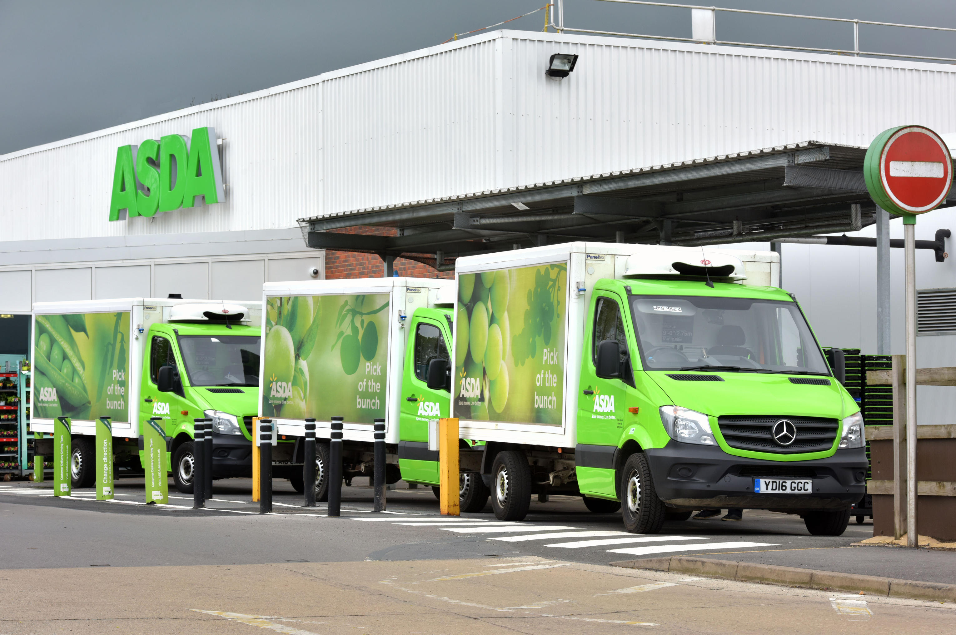 Christmas delivery slots with supermarkets always fill up fast