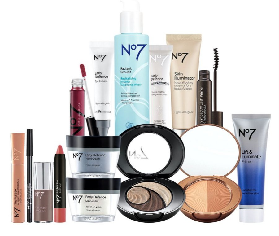 The No 7 Perfect Party Collection is now £123.50 off