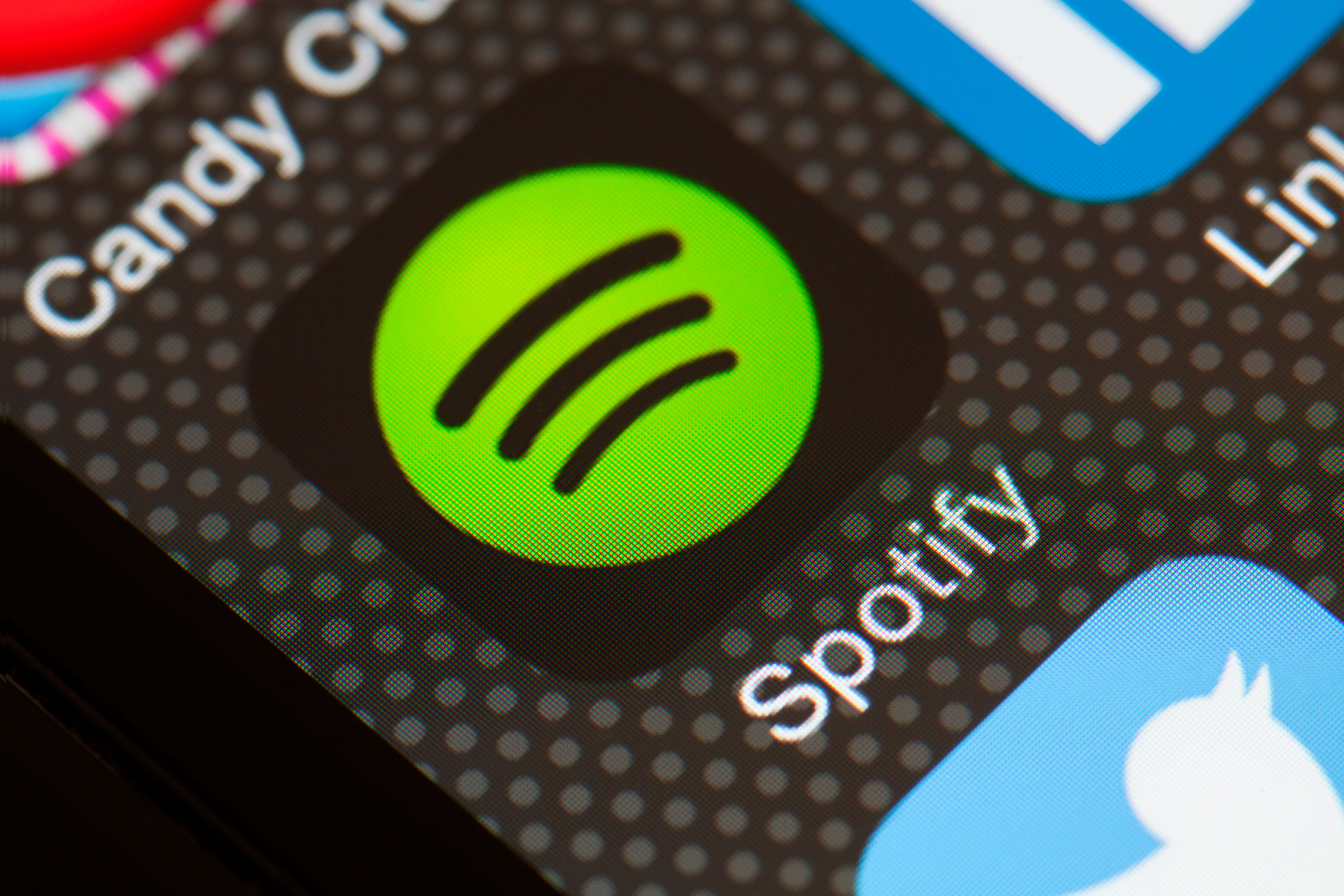 Spotify has announced a new price tier that allows users to listen to their favourite tunes in CD-quality format