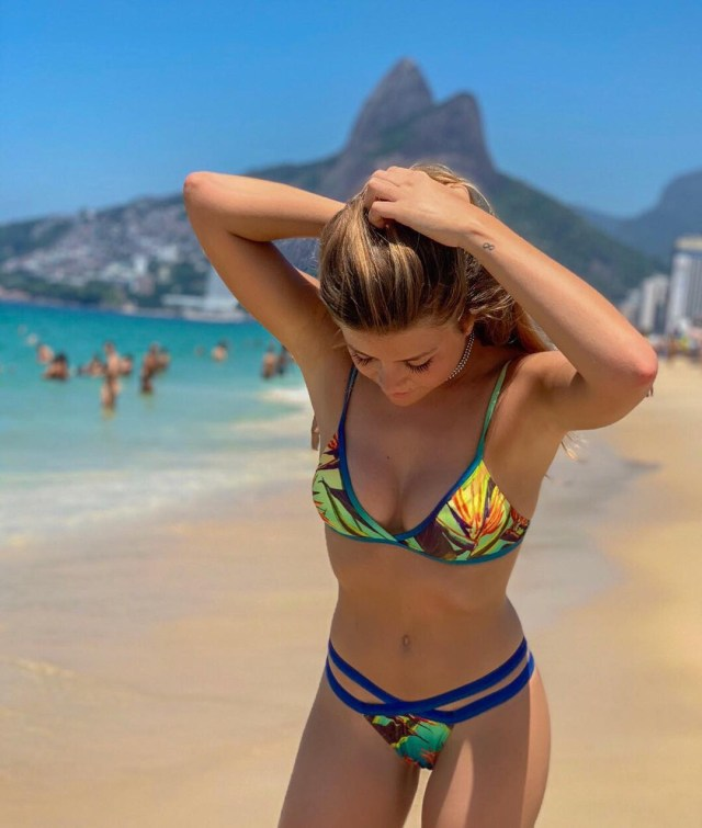Ines wows in a two-piece patterned swimsuit
