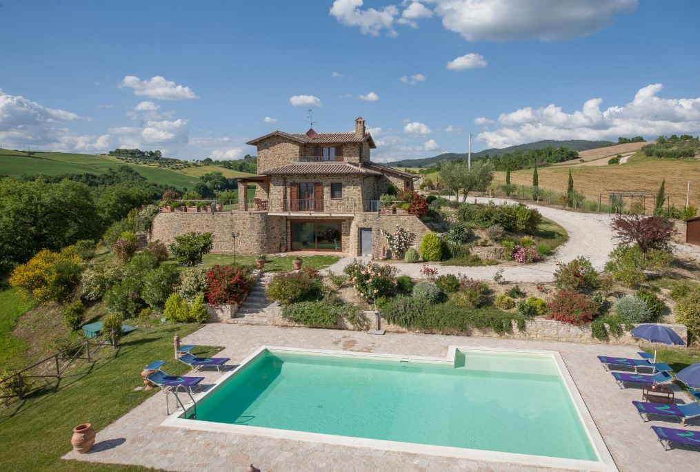Stay in an Italian villa with your own private pool this summer